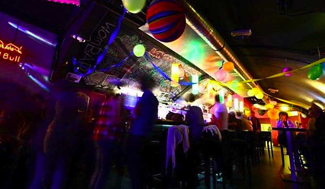 Wombats-City-Hostel-Vienna-The-Lounge-Bar